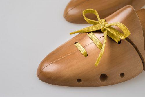 lacci piatti cerati giallo brillante scarpa classica