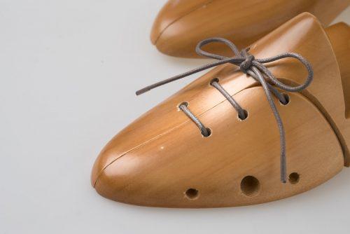 paio di lacci cotone cerato scarpe eleganti grigio scuro